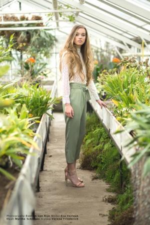 Model: Eva Verlaan, Muah: Myrthe Schreurs, Styling: Verena Friederich, Photography: Evelien van Rijn